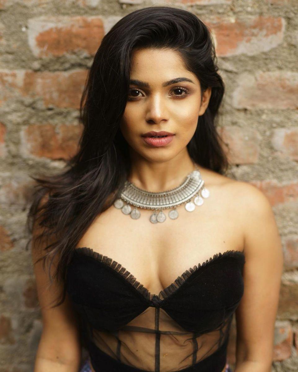 actress-divyabharathi-gallery7