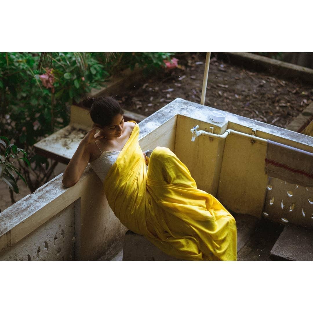 aditi-balan-shares-her-hot-photos-on-her-instagram3