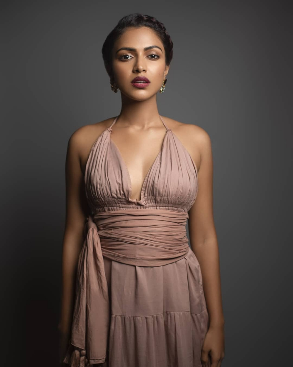 Amala-paul-hot-photo-dusky-beauty-new-click8