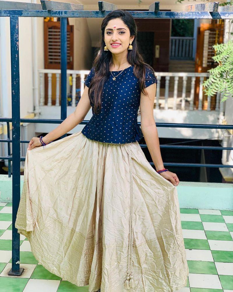 sathya-serial-actress-aysha-latest-photos-image12