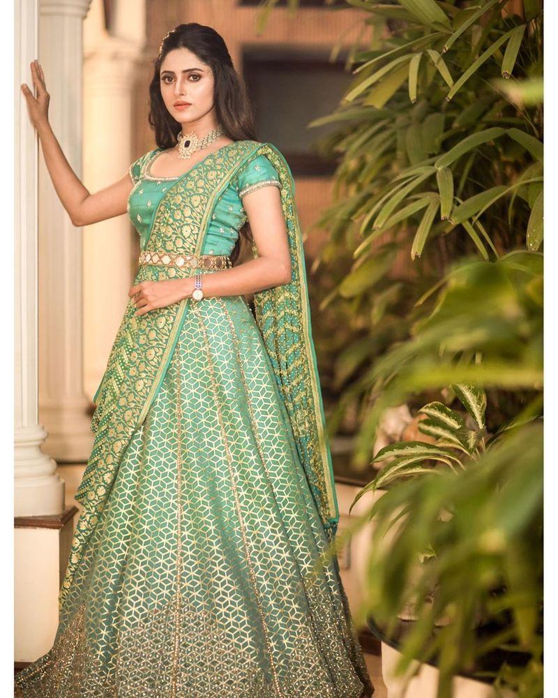 sathya-serial-actress-aysha-latest-photos-image2