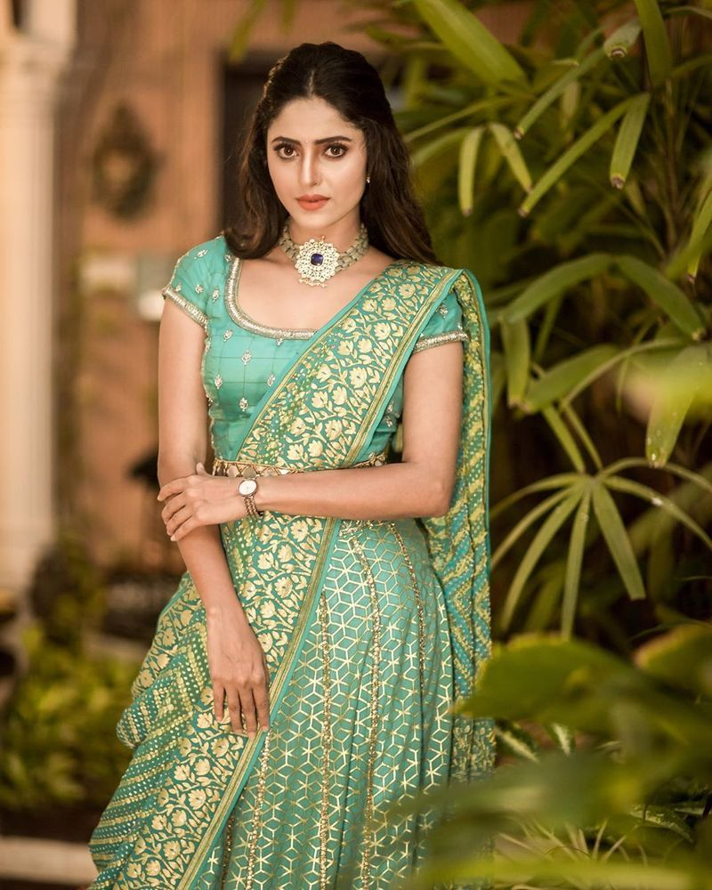 sathya-serial-actress-aysha-latest-photos-image3