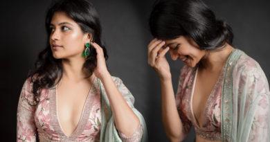 aditi balan shares hot photos on her instagram