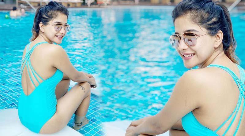 sakshi agarwal shows maximum hotness bikini