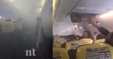 Ryanair-Flights-emergency-landing-plane-fills-with-smoke-watch-viral-video-img