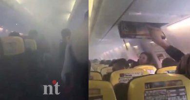 Ryanair-Flights-emergency-landing-plane-fills-with-smoke-watch-viral-video-img