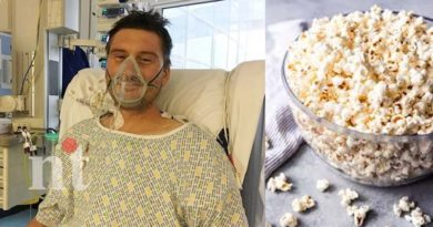 popcorn stuck in gums man done heart surgery