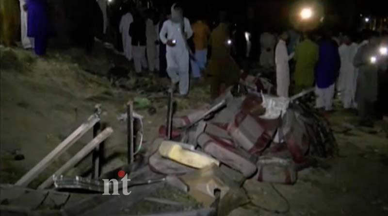 Pakistan train-bus collision 20 dead