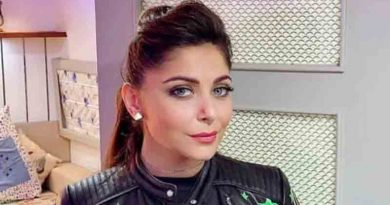 Singer Kanika Kapoor tests COVID-19 positive