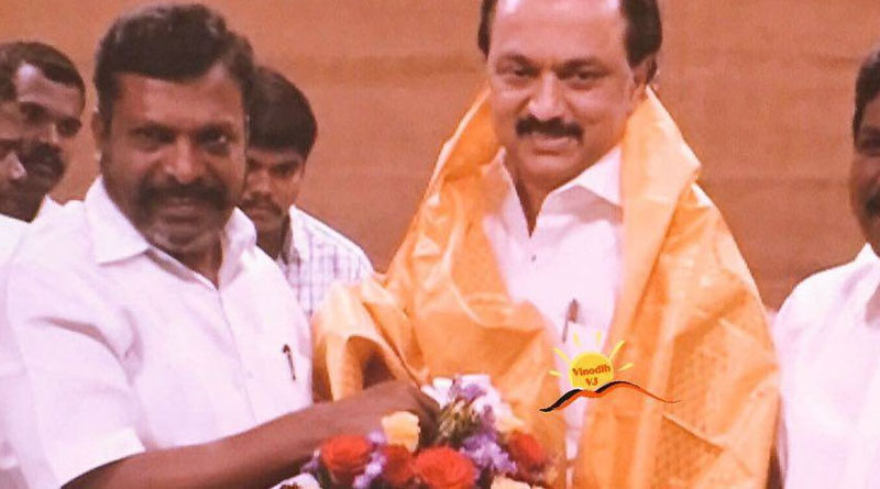 VCK and DMK alliance pact signed - 6 seats for VCK